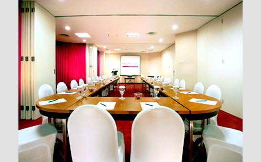 Meeting Room di Favehotel Mex Building Surabaya