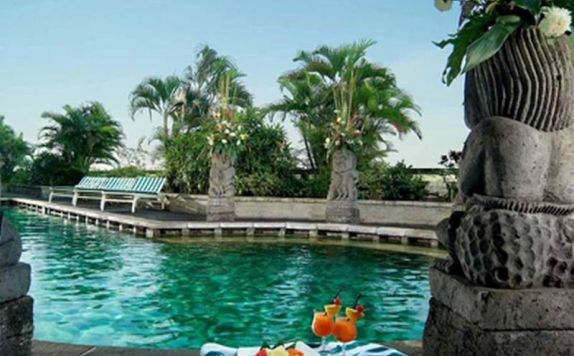 swimming pool di Lumire Hotel