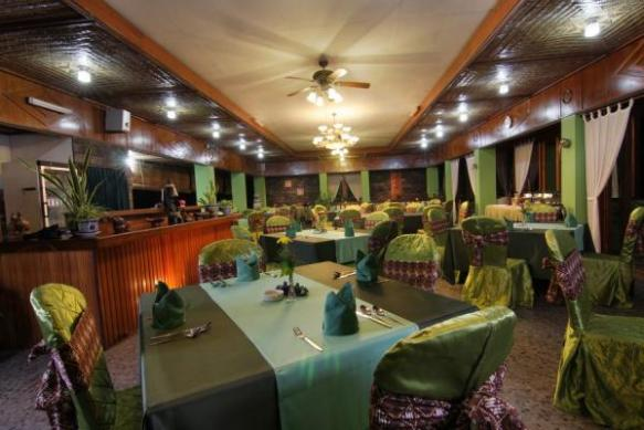Thumbnail Photo - Restaurant di Poeri Devata Resort Hotel