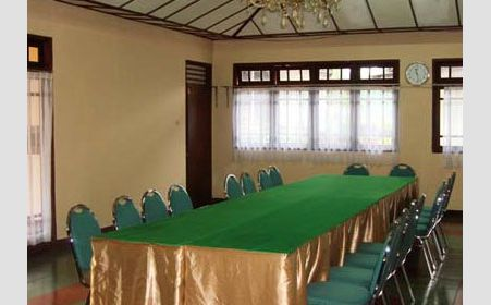 Meeting Room di Resort Prima Selabintana