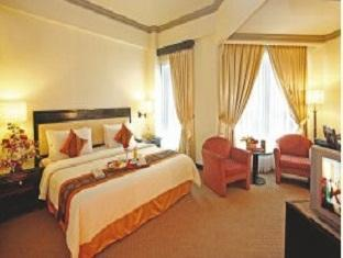 Thumbnail Photo - executive room di Travellers Hotel Jakarta