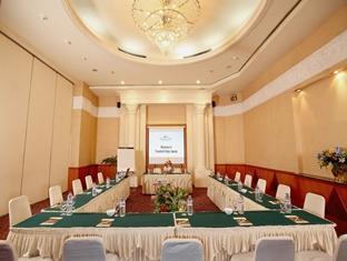 Thumbnail Photo - meeting room di Travellers Hotel Jakarta